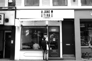 jane_tira